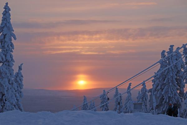 Storumans slalombacke i vinterskrud
